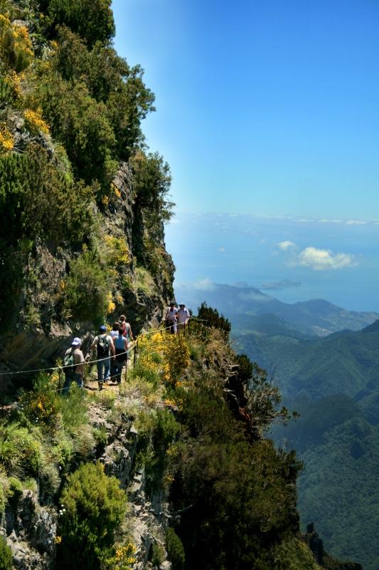 The Peaks - Madeira Walk - by Virgilio Silva