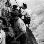 Building the Levadas 1 (© Museu Photographia Vicentes)